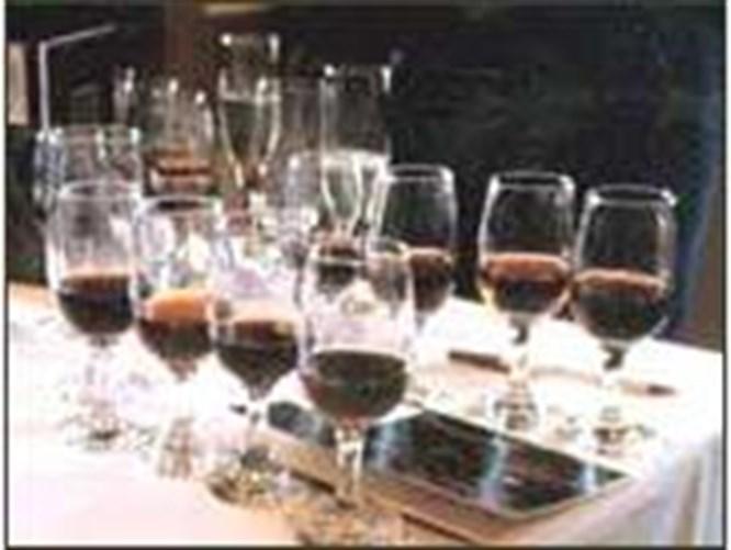 Şarabın tadını kadehler coşturuyor